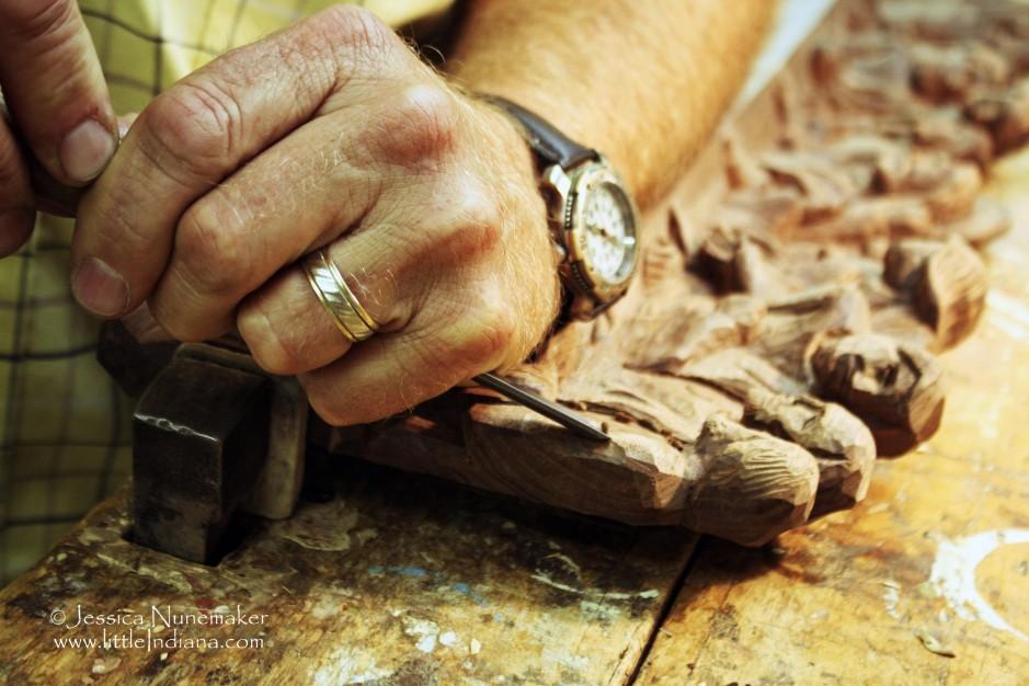 weberdings-wood-carving-shop-in-batesville-in-L-7pwyRV